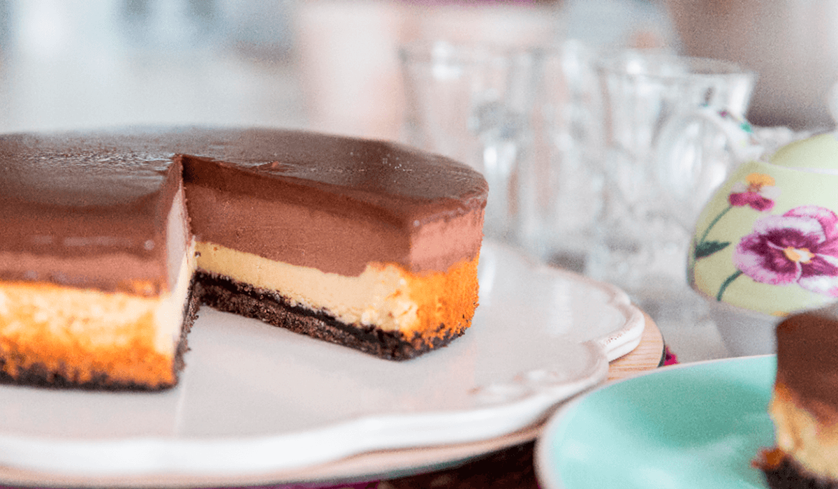 Cheesecake con mousse de chocolate